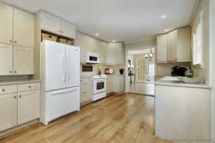 Kitchen Design With White Appliances White Cabinets With White Appliances Bukit