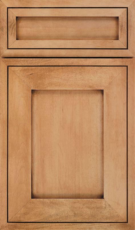 Natural Coffee Glazed Cabinet Finish On Maple Decora Maple Kitchen Cabinet Doors