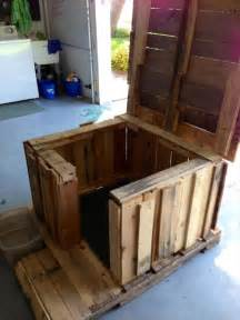 Home Design Diy Diy Dog House Made From Pallets Pallets Designs