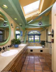 Cat Friendly Home Design by Now That S A Purr Fect Paradise Man With 18 Cats Spends
