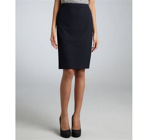 elie tahari navy stretch pencil skirt in blue navy