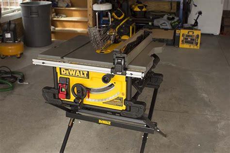 dewalt 7480 table saw dewalt dwe7490x table saw with scissor stand tool box