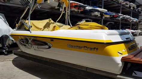 mastercraft boat yellow 2001 mastercraft x star 21 yellow white for sale in