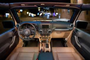 Interior Jeep Wrangler 2011 Jeep Wrangler Gets New Interior Autotribute