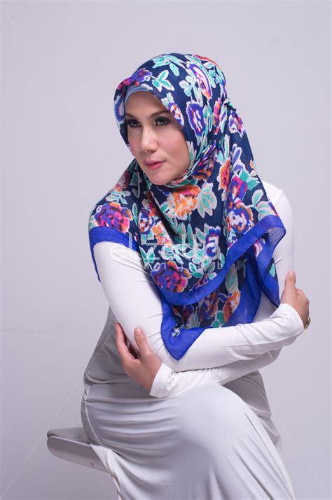 Baju Gamis Wanita Elzatta busana muslim elzatta baju muslim beragam busana muslim gamis model terbaru berwarna putih