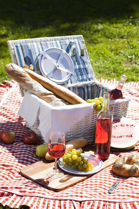 der perfekte picknickkorb tipps f 252 r das perfekte picknick in der natur