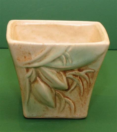 Mccoy Pottery Planters Prices by Mccoy Pottery Rustic Jardiniere Planter Box Ebay