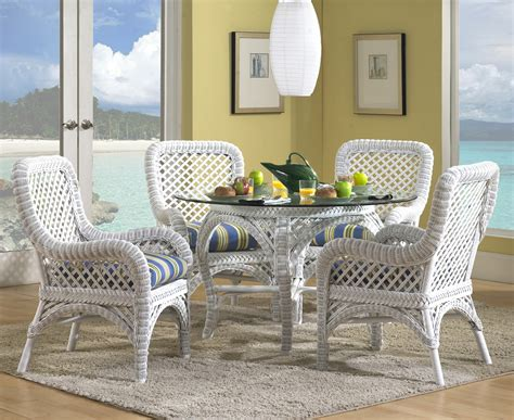 wicker dining set in white