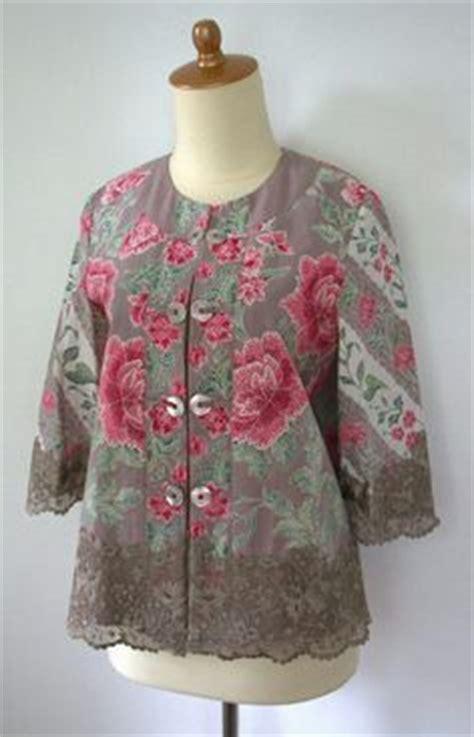 Dress Batik Hitam 1000 images about kebaya batik on kebaya indonesia and batik dress