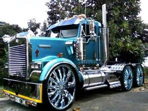 Custom Heavy Truck Wheels Whoa Look At Those Rims Big Rigs And Other Cars