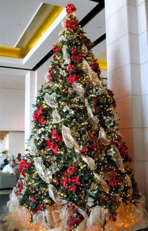 how to wrap ribbon around the christmas tree the ribbon trees and the white on