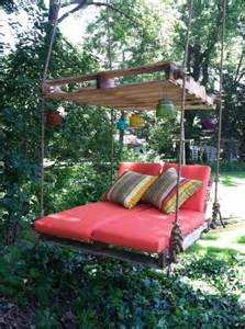Diy Backyard Swing by Diy Pallet Swing Bed Tutorial