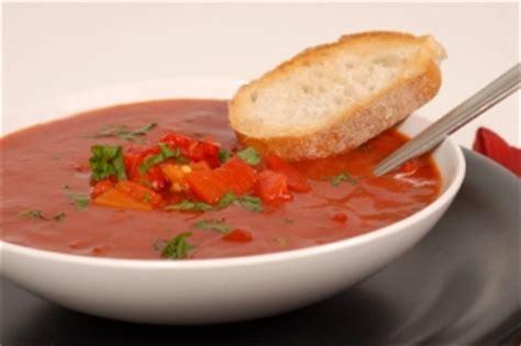 potage aux poivrons rouges r 244 tis recettes du qu 233 bec