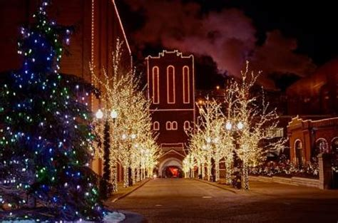Anheuser Busch Christmas Lights by Holiday Light Displays In St Louis Top 7 Stl Homelife