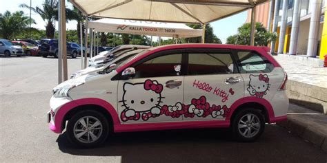 Sticker Toyota Avanza Hello Kity hello mushrooming trend in family car otomotif indonesia