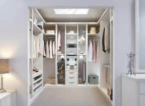 Find your ideal walk in wardrobes with strachan