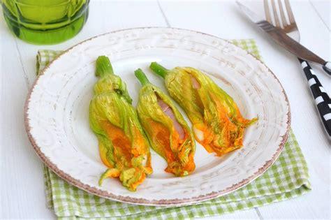 187 fiori di zucca ripieni al forno ricetta fiori di zucca