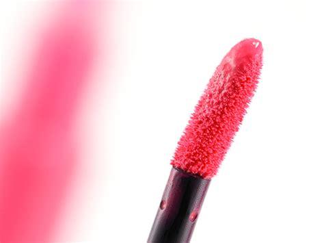 Giorgio Armani Lip Maestro 502 giorgio armani lip maestro matte lacquer limited edition in 502 eccentrico pink poodle 505