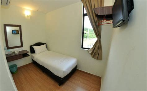 how to get a cheap hotel room sepang budget hotel 2 budget hotel with 45 rooms rate from usd 20 25km away to lcct