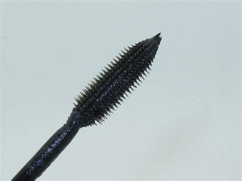 Loreal Lash Out Curved Brush Mascara Expert Review by L Oreal Voluminous Million Lashes Diamonds Mascara Review