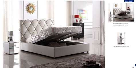 high end contemporary bedroom furniture queen bedroom sets in modern theme with wooden flooring