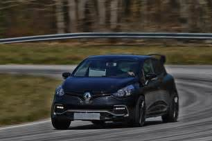 Renault Rs Clio Renault 2017 Clio Rs 16 Renault Reveals Hotter Clio Rs