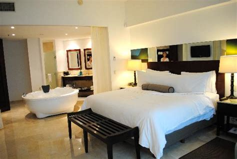 live aqua rooms aqua suite bedroom bath picture of live aqua resort cancun cancun tripadvisor