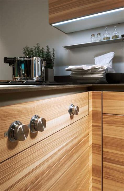 schöne küchen wohnzimmer graue fliesen