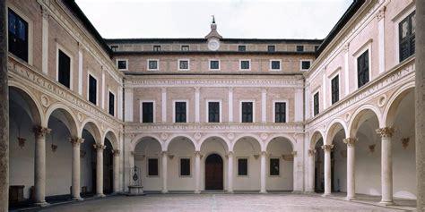 cortile palazzo ducale urbino geologia urbana a urbino patrimonio dell unesco