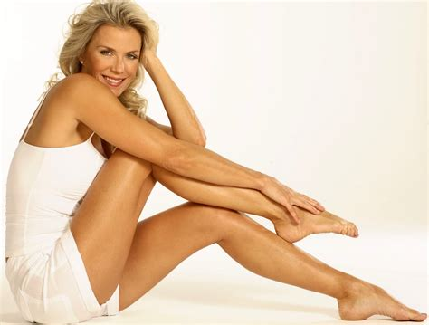 kelly cbell actress wiki bigfoot celebrity katherine kelly lang feet