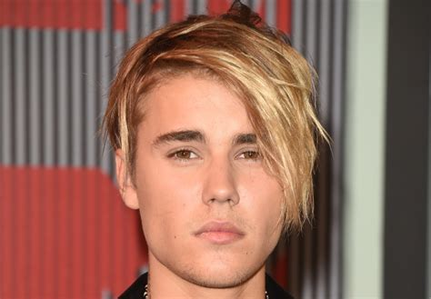 how to do hairstyles like justin bieber see justin bieber s posse rock his new hairdo photos