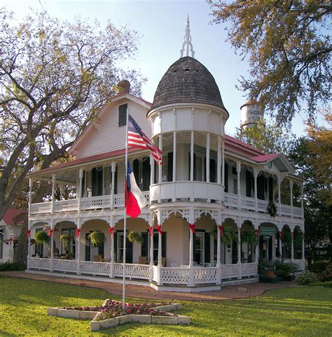 bed and breakfast gruene tx bed and breakfast family homes and the national on pinterest