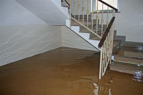 Wasserschaden: Wann übernimmt Versicherung die Kosten?