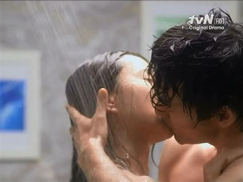 film korea yang hot kiss outside seoul kdrama kisses a field guide