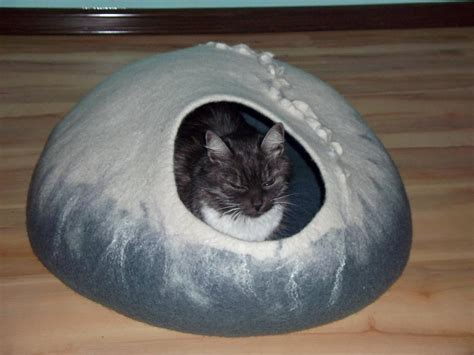 sewing pattern cat cave you have to see large cat cave by lanadinata