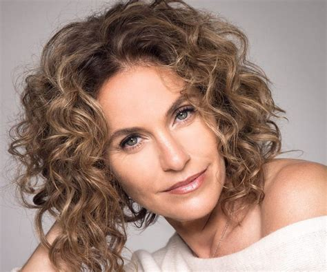 actress amy brenneman amy brenneman bio facts family life of actress
