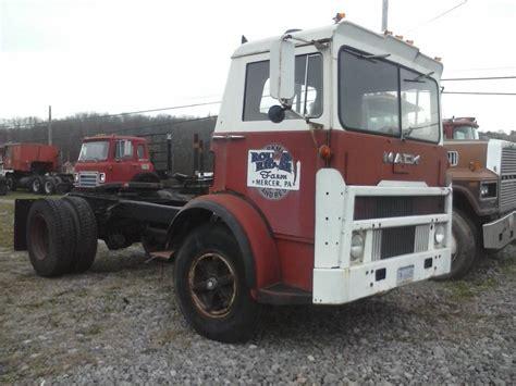 mack trucks for 1970 mack mb tractor trucks for sale bigmacktrucks com