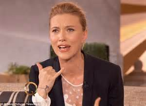 Vanity Fair No Makeup Johansson Tells Latifah She Was Terrified