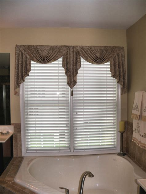 jabot curtains window treatments 1000 images about curtains swags jabots on pinterest