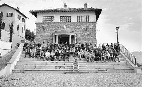 Brunello Cucinelli Sede by Brunello Cucinelli La Cultura Per I Dipendenti Paga L