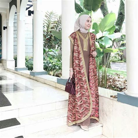 Gamis Remaja Masa Kini 2018 17 koleksi fashion baju remaja 2018 gaya masa kini modis