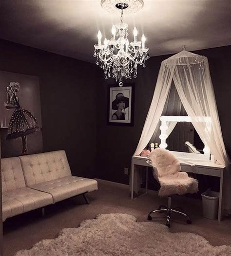 Vanity Room Salon by 25 Best Ideas About Makeup Vanity Desk On