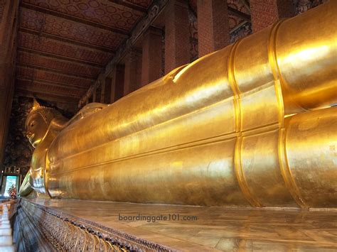 Reclining Budda by Wat Pho