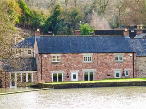 mill pond cottage weir cottage on the mill pond in cromford selfcatering