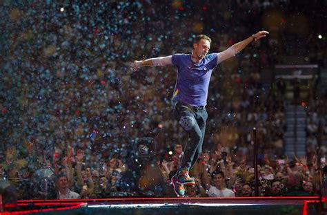 coldplay tour coldplay named world s best touring act in 2016