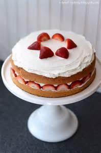erdbeer sahne kuchen i baking strawberry cake