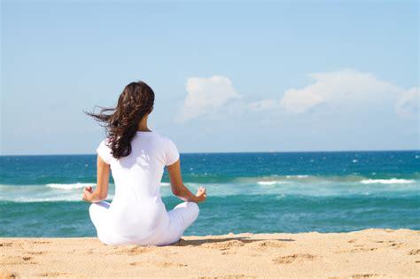 imagenes yoga en el mar yoga junto al mar