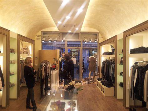 negozi lade roma lade per vetrine negozi illuminazione negozio led