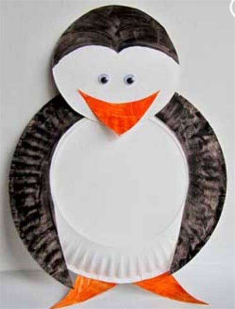 Paper Plate Penguin Craft - a penguin made out of paper plates kindergarten