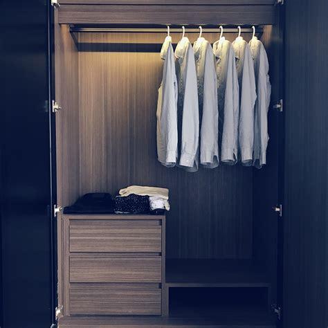 minimalist wardrobe the minimalist wardrobe